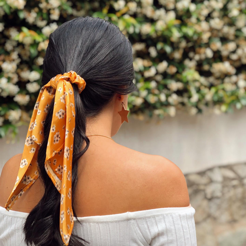 tendencia del pañuelo para el cabello verano 2019