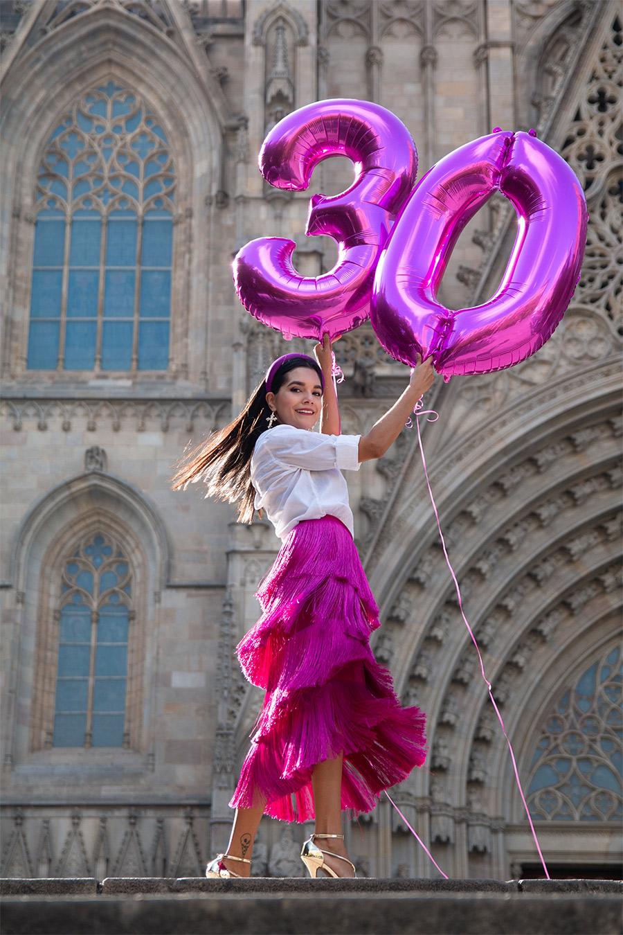 30s-birthday-photo-ideas,-birthday-photoshoot,-photoshoot-in-Barcelona