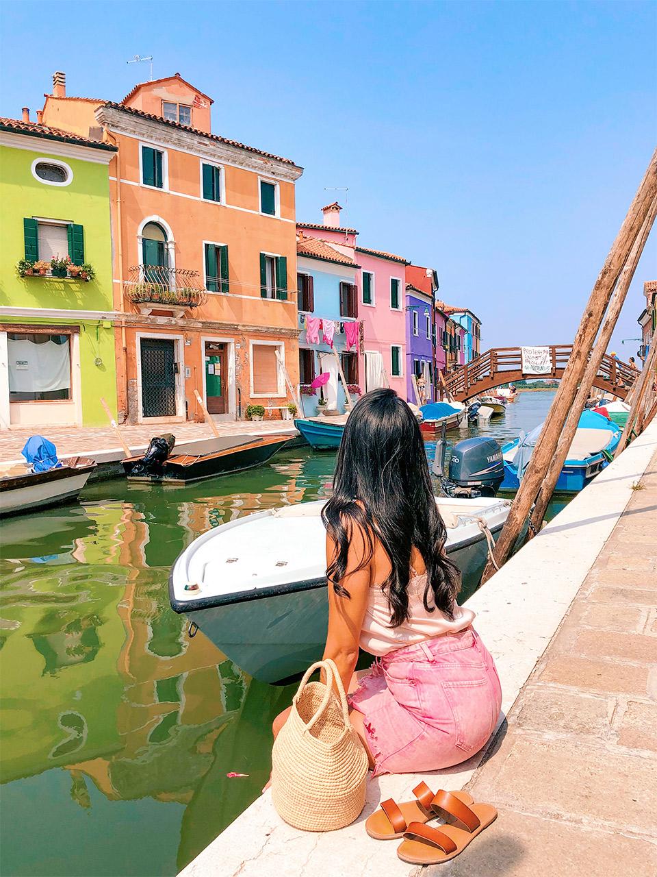 que-hacer-en-Venecia,-visitar-Burano,-los-lugares-mas-coloridos-del-mundo