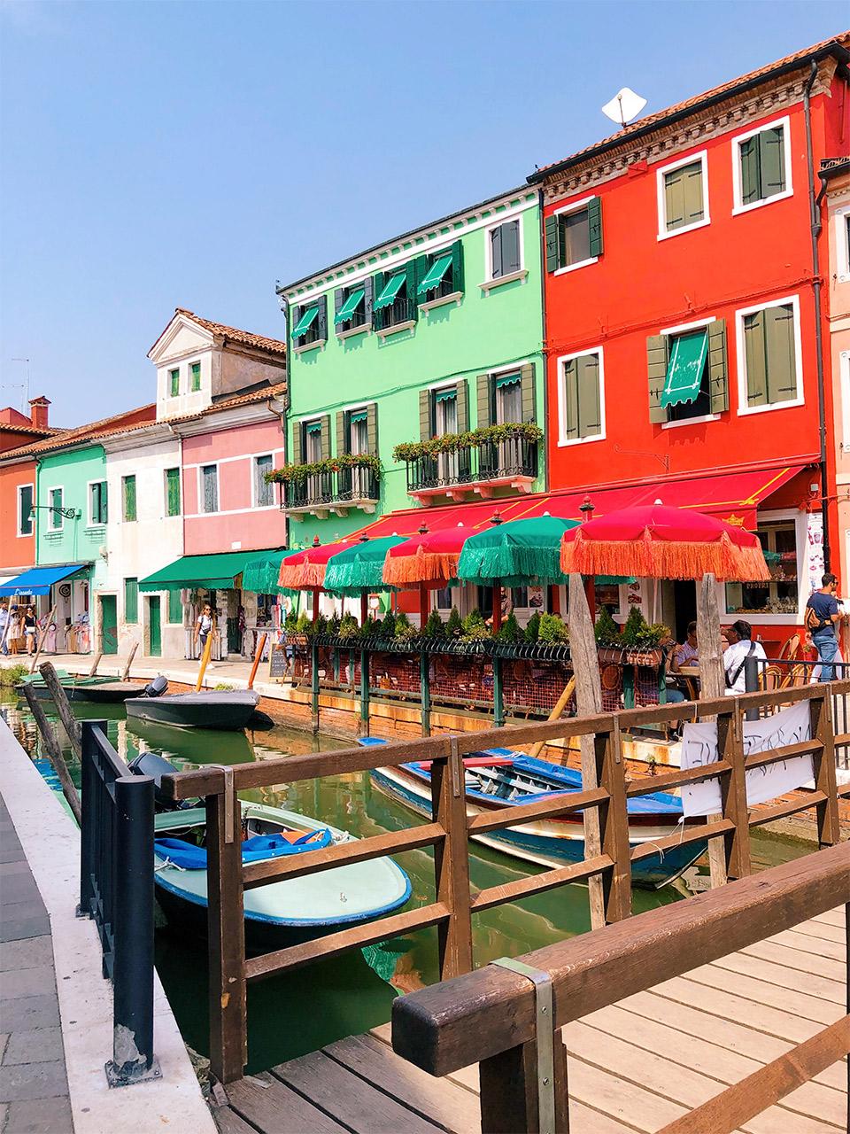 que-ver-en-Burano,-la-isla-Burano-cerca-de-Venecia,-que-ver-en-Venecia