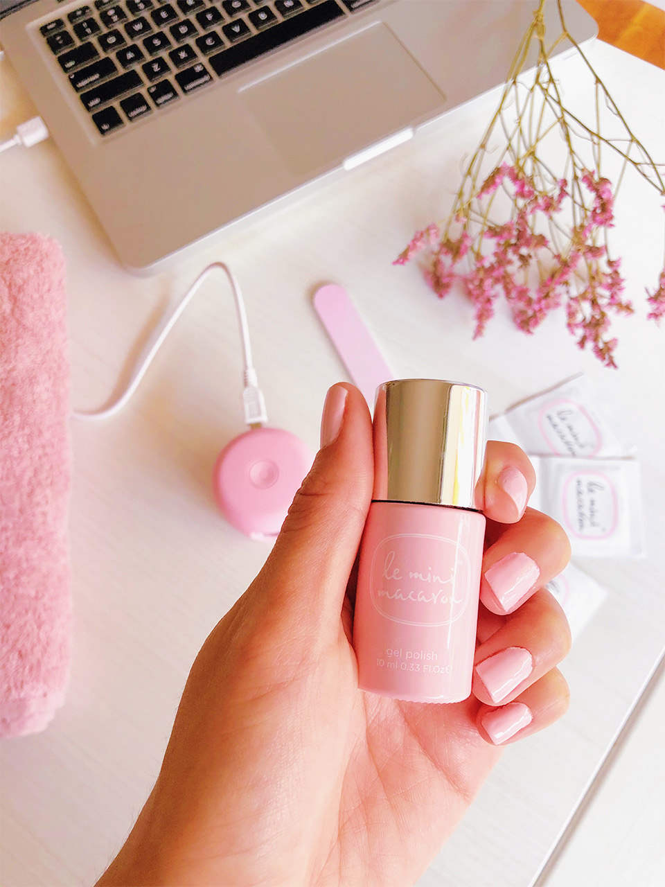 manicure-de-gel-en-casa-lampara-led-casera-para-manicura-le-mini-macaron-como-usarlo-review-le-mini-macaron-como-hacer-manicura-de-gel