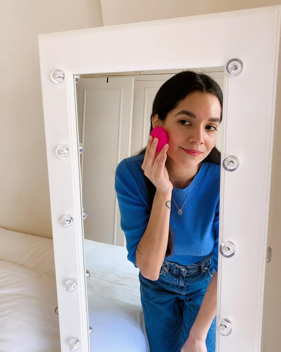 Descubrimientos-de-belleza-los-mejores-productos-de-belleza-del-2020-beneficios-del-cepillo-foreo-luna-play-plus